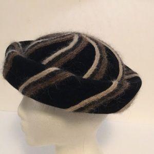 VTG Bumper Hat Rim Black Brown Velvet Wool Yarn 22